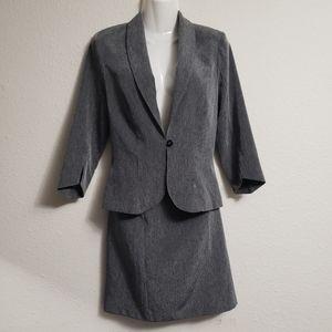 2-piece Skirt Suit